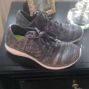 Super comfy Saucony sneakers 👟 7.5